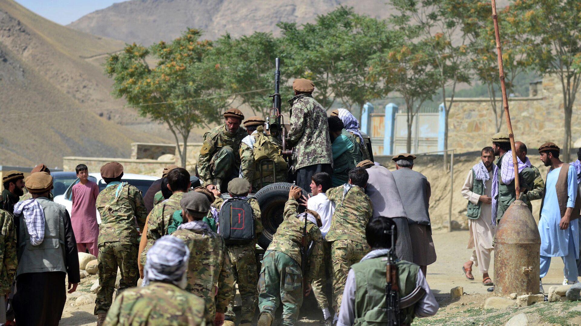 Бойцы афганского движение сопротивления Талибану* в провинции Панджшер - РИА Новости, 1920, 06.09.2021