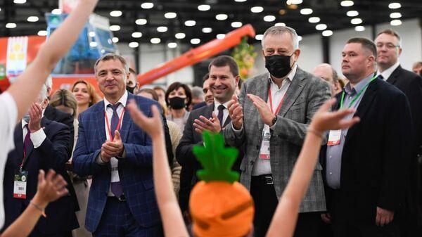 Губернатор Ленинградской области Александр Дрозденко на ХХХ международной агропромышленной выставке-ярмарке Агрорусь