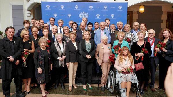 Вручение государственных наград Министром культуры Российской Федерации Ольгой Любимовой в Атриуме Большого театра России