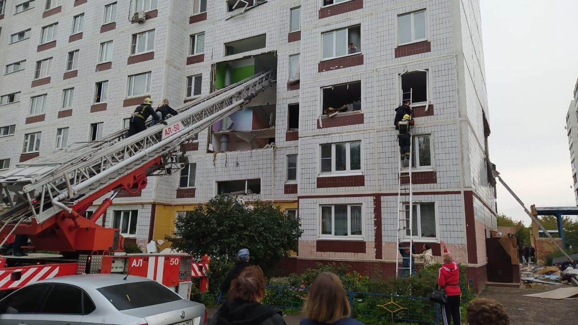 Многоквартирный жилой дом в Ногинске разрушенный в результате взрыва бытового газа - РИА Новости, 1920, 08.09.2021