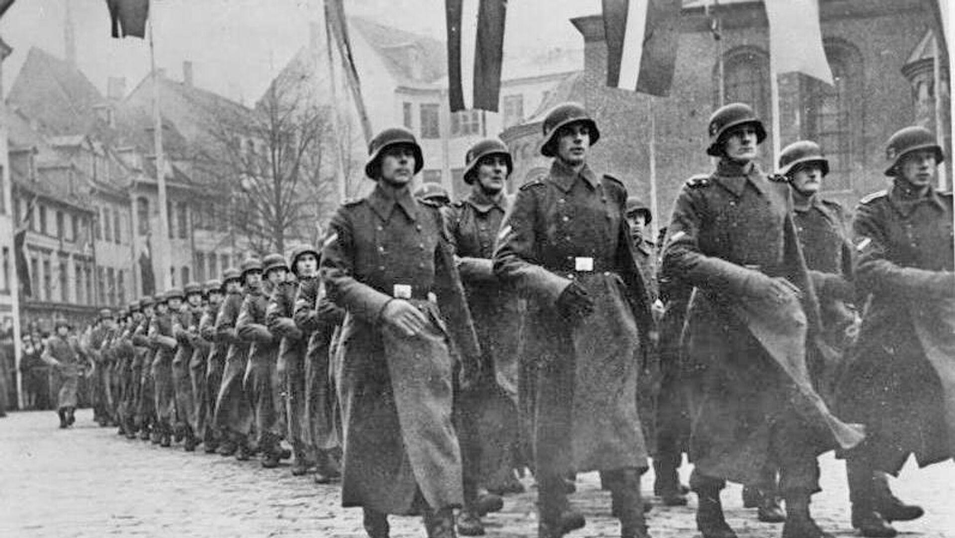 Парад латышских легионеров СС в Риге. 1943 - РИА Новости, 1920, 08.09.2021