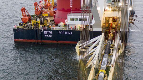 Сварка последней трубы Северного потока ‑ 2 в Балтийском море