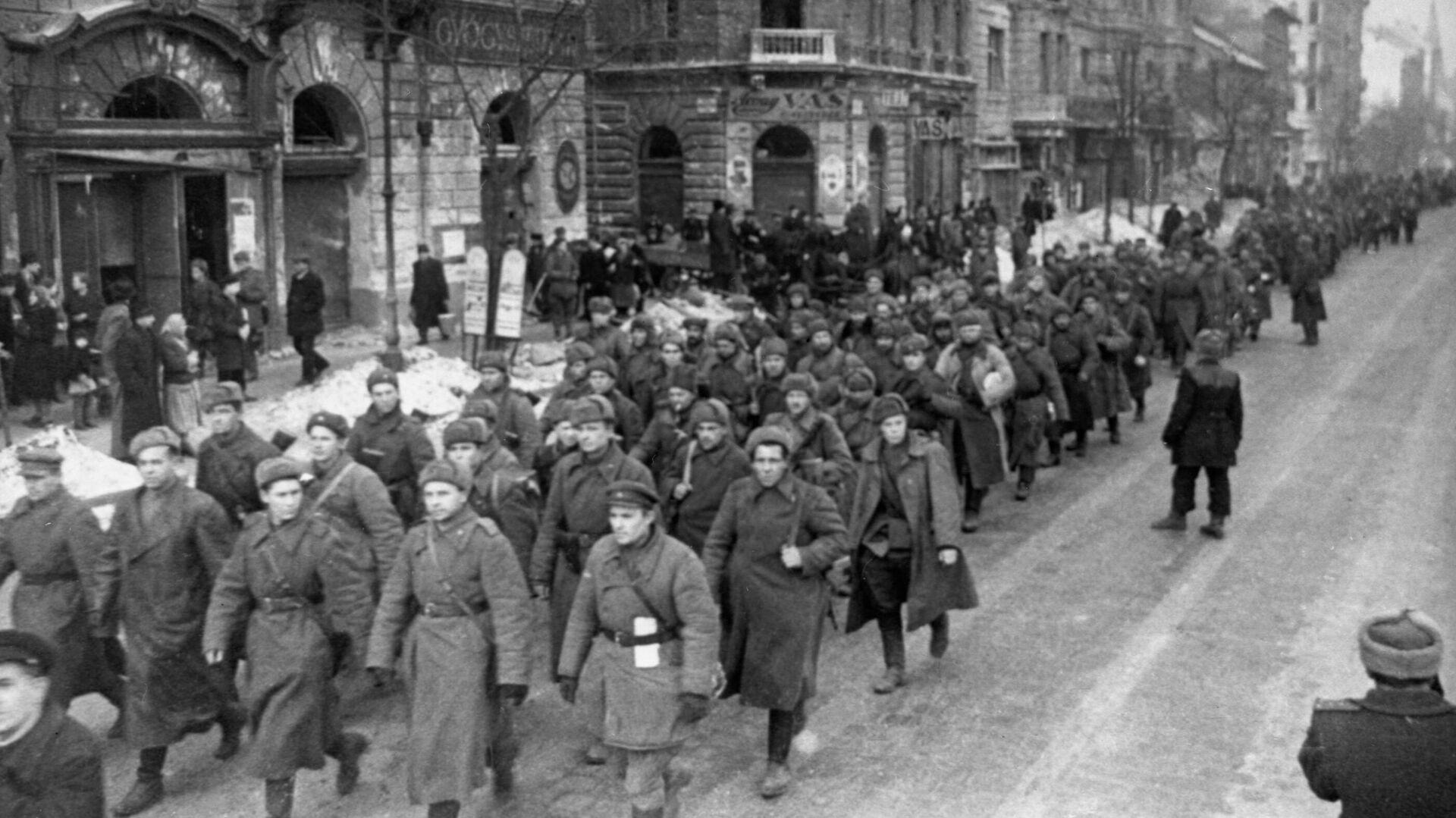 Войска Красной Армии в Будапеште - РИА Новости, 1920, 09.09.2021
