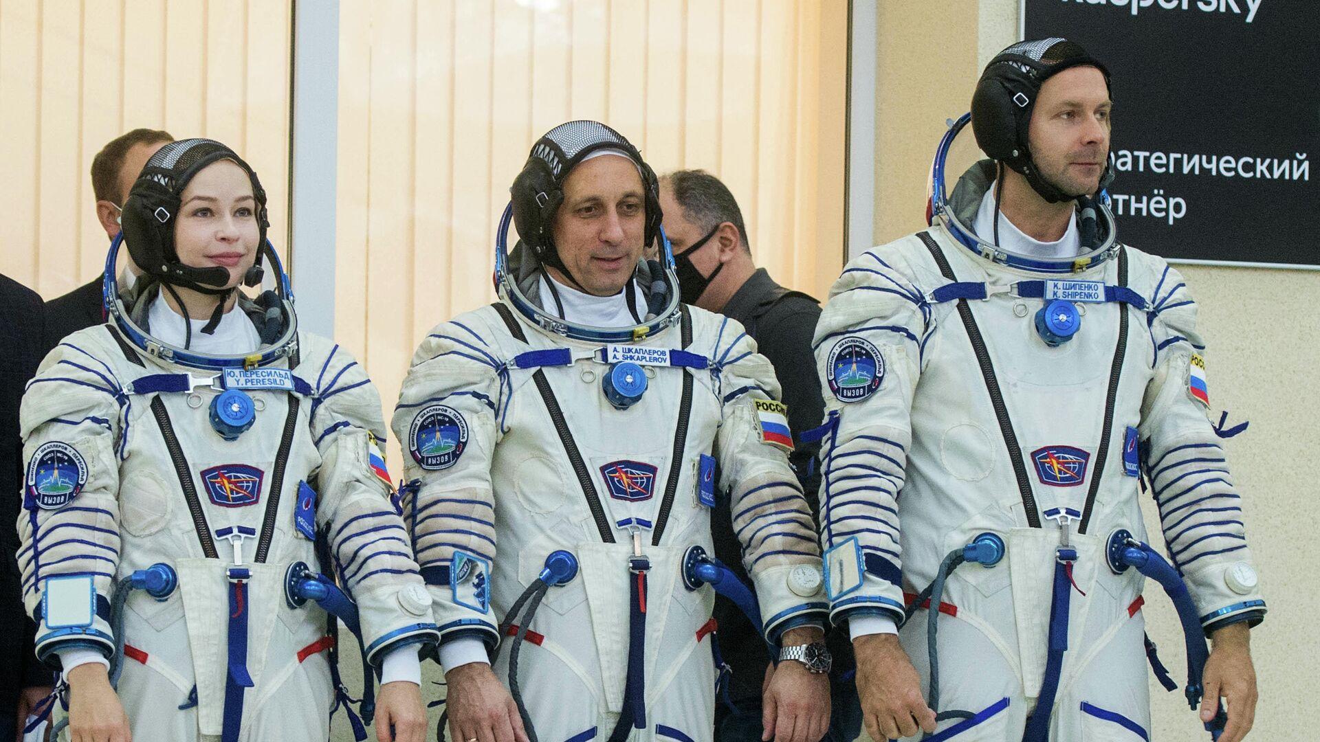 """Госкомиссия на Байконуре разрешила вывоз ракеты с """"киноэкипажем"""" на стартовый комплекс"""