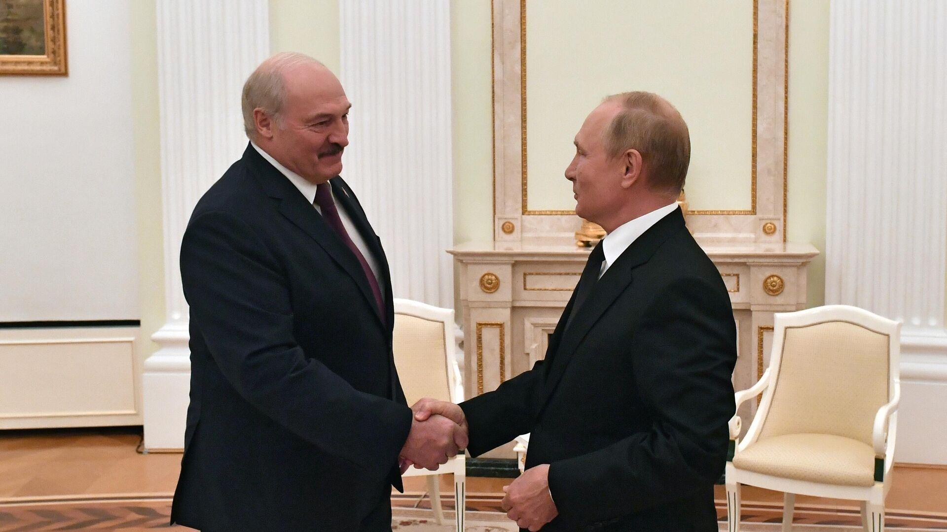 Президент РФ Владимир Путин и президент Белоруссии Александр Лукашенко во время встречи - РИА Новости, 1920, 09.09.2021