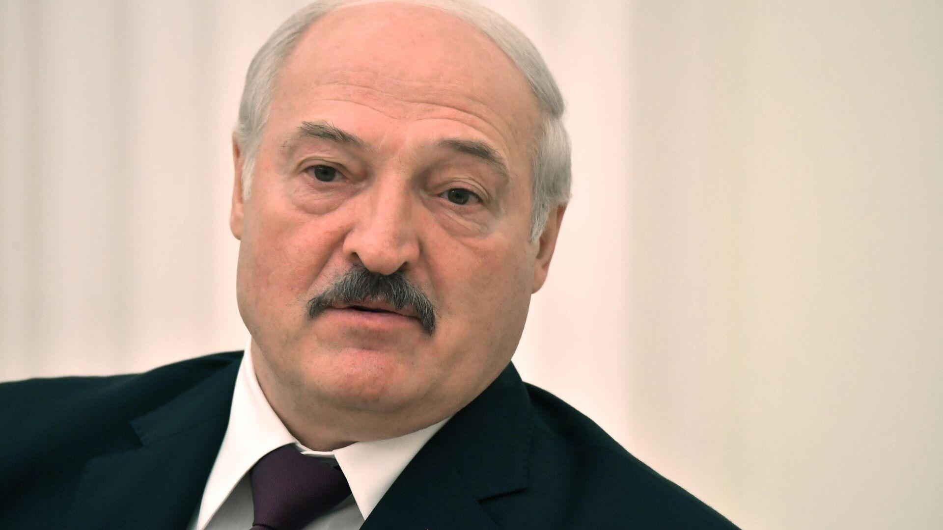 Президент Белоруссии Александр Лукашенко во время встречи с президентом РФ Владимиром Путиным - РИА Новости, 1920, 09.09.2021
