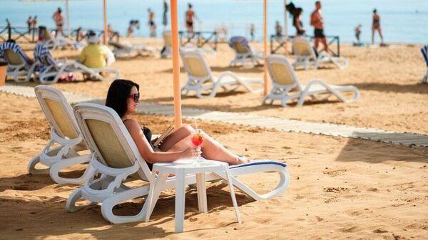 Пляж отеля Алые Паруса в Крыму
