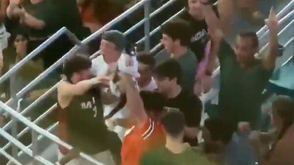 Спасение кота во время футбольного матча в Майами