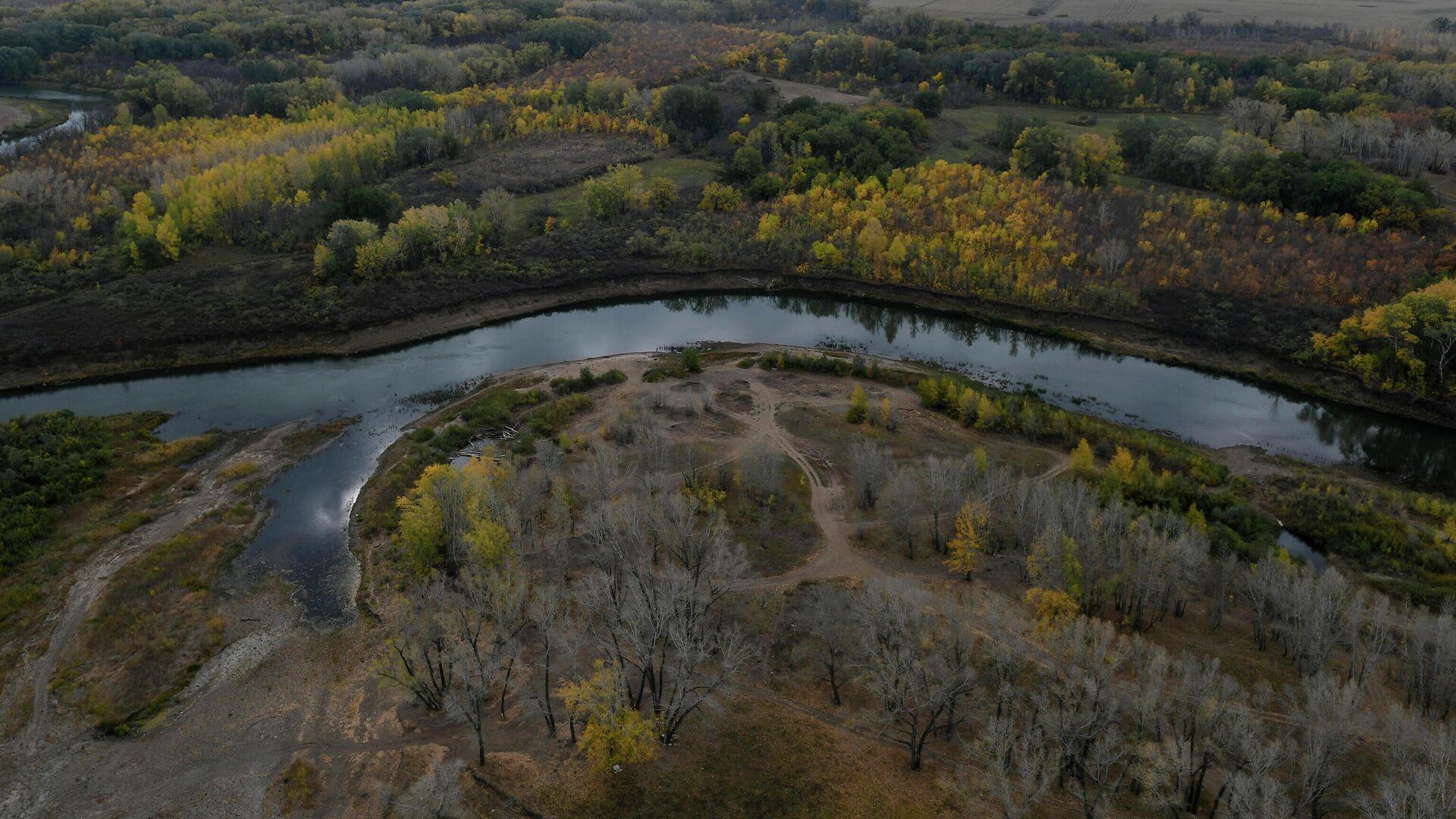 Осенний пейзаж в окрестностях Оренбурга - РИА Новости, 1920, 13.09.2021