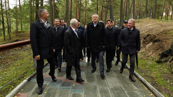 Губернатор Ленинградской области Александр Дрозденко с рабочей поездкой в Сосновом Бору