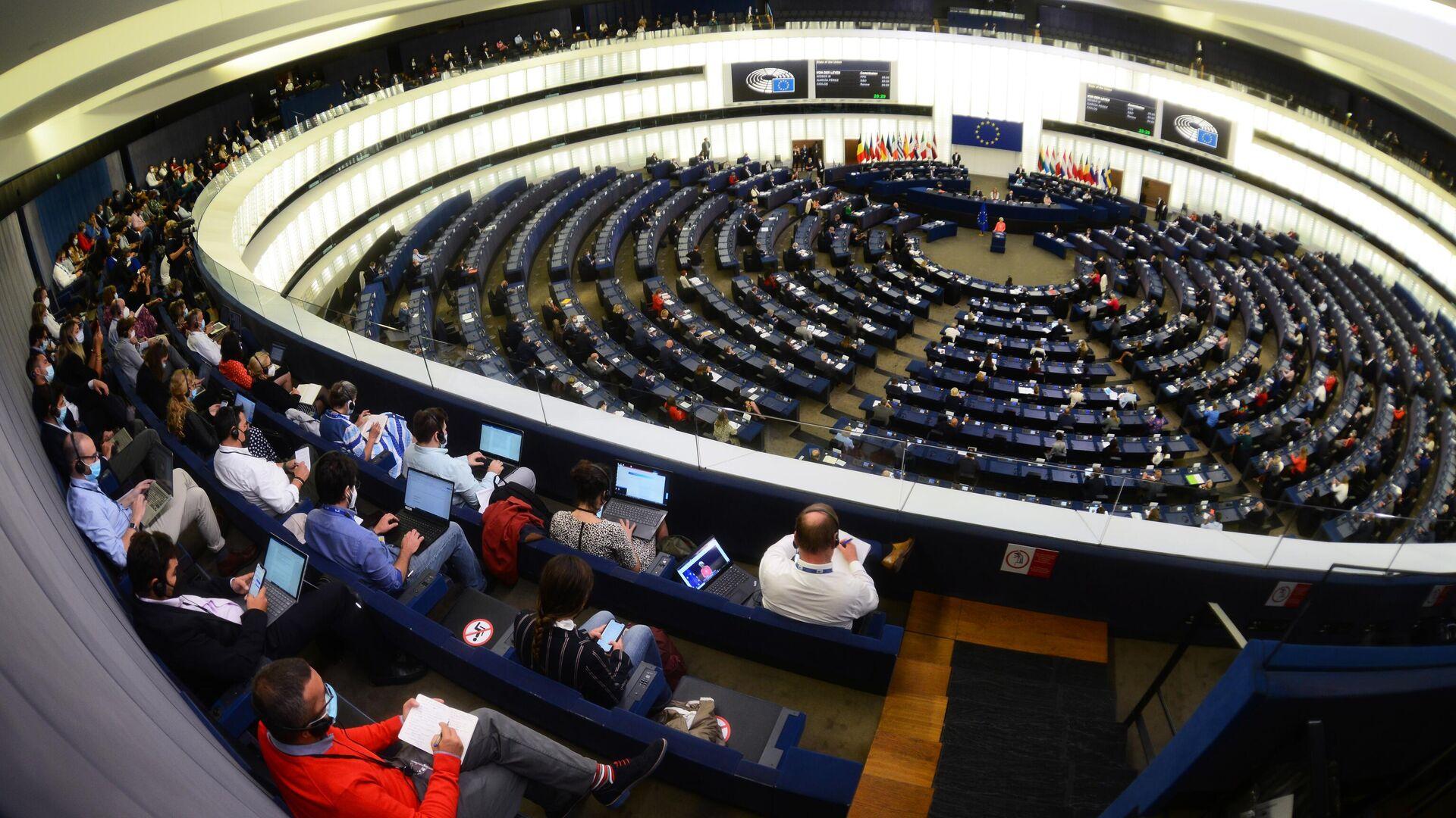 Депутаты на пленарной сессии Европейского парламента в Страсбурге - РИА Новости, 1920, 21.09.2021