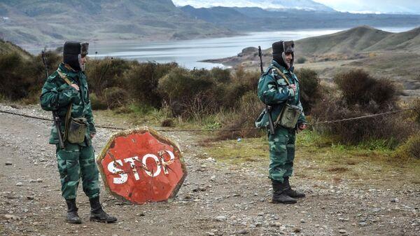 Военнослужащие пограничных войск Азербайджана на границе с Ираном в Джебраильском районе.