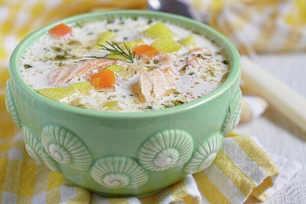 Лососевый суп лохикейтто