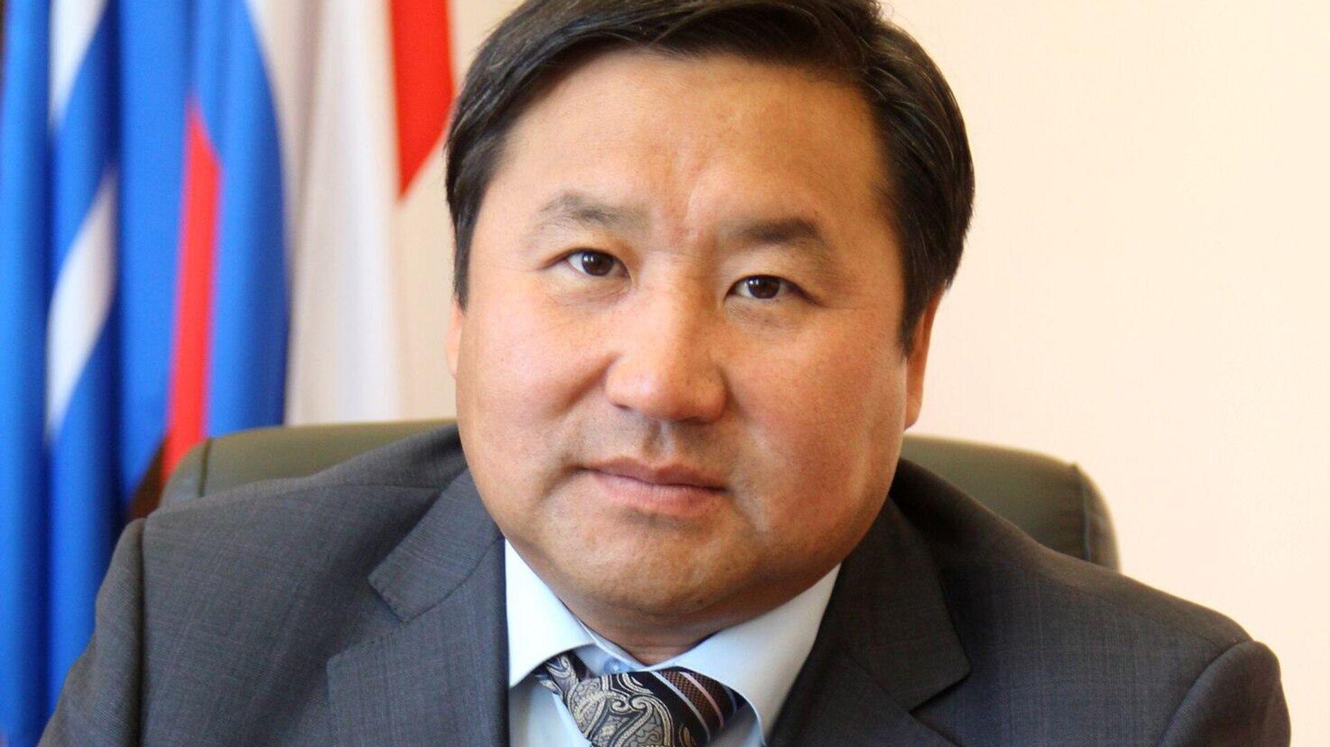 Новый глава Тувы Владислав Ховалыг отправил правительство региона в отставку