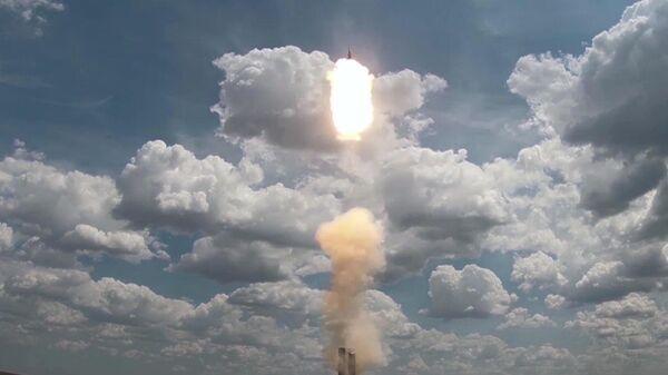 Новейшая зенитная ракетная система С-500 на полигоне Капустин Яр