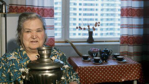 Пенсионерка в своей квартире