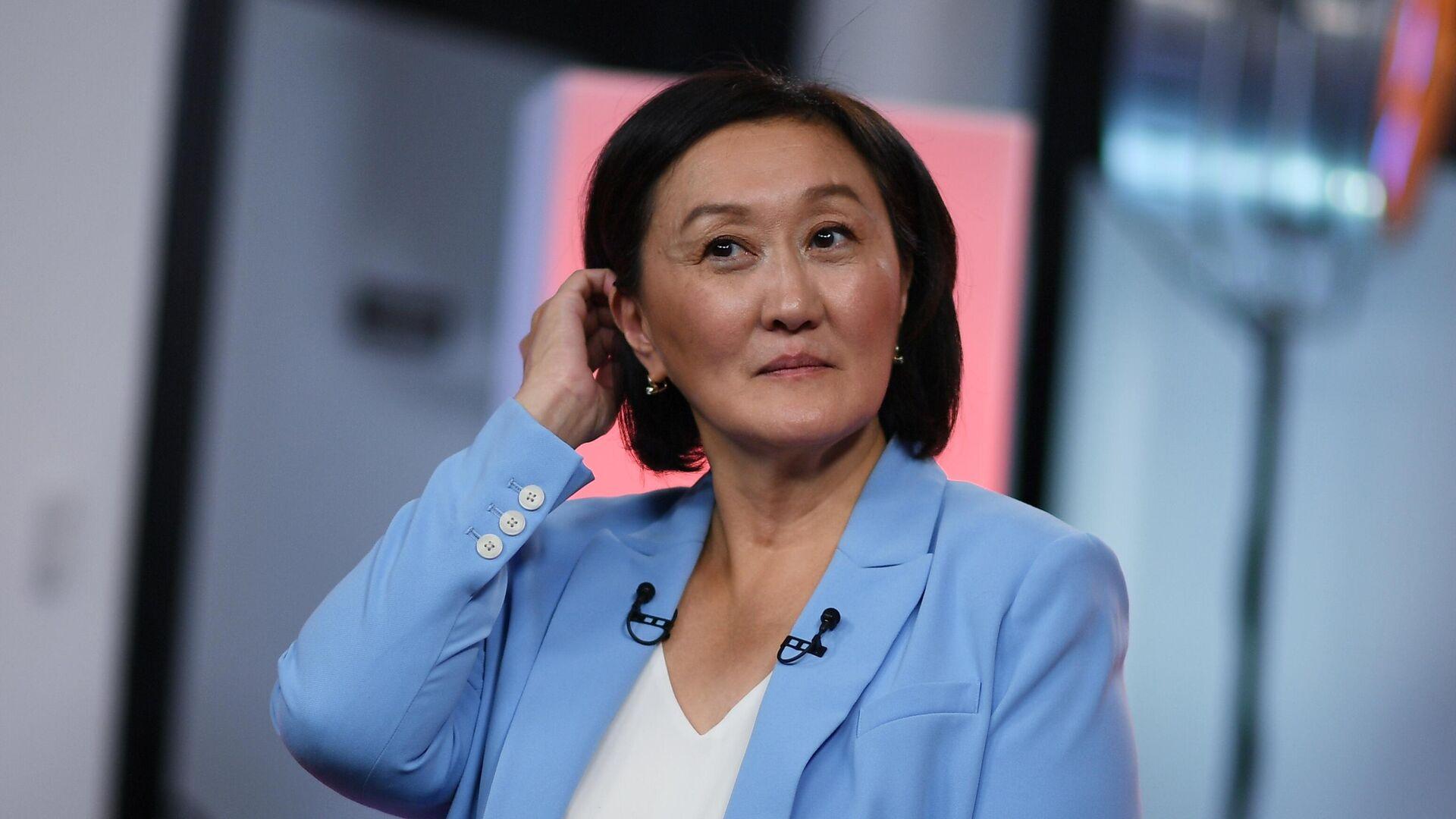 Авксентьева призвала женщин идти в политику, сравнив себя с солдатом Джейн