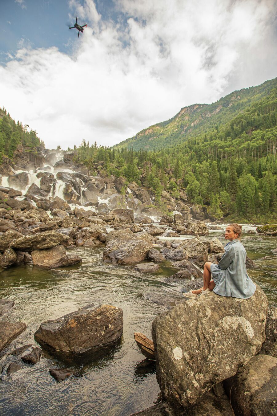 Юлия. Алтай. Водопад Чульчинский