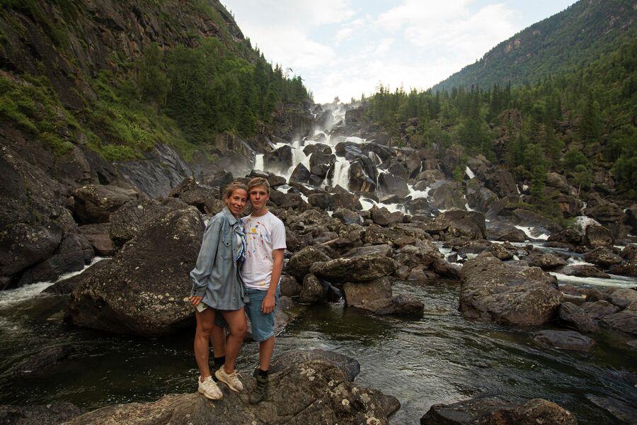 Юлия и Артем. Алтай. Водопад Чульчинский (Учар)