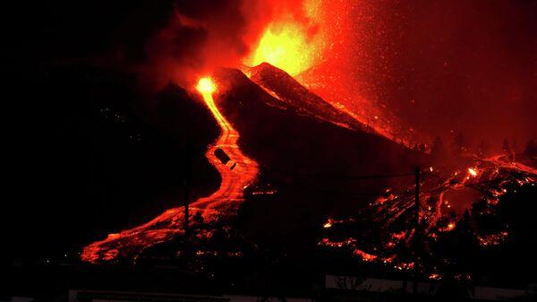 Извержение вулкана на испанском острове Пальма