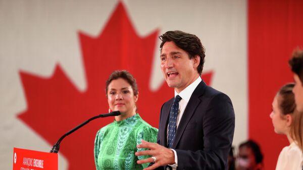 Премьер-министр Канады Джастин Трюдо на собрании, посвященном прошедшим выборам