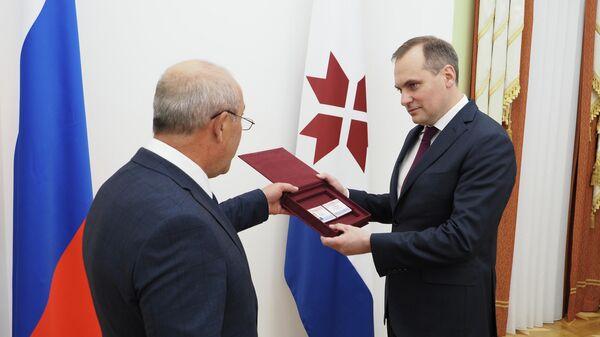 Артему Здунову вручили удостоверение об избрании главой Мордовии