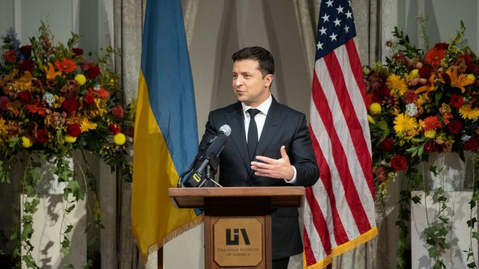 Президент Украины Владимир Зеленский во время визита в Нью-Йорк - РИА Новости, 1920, 23.09.2021