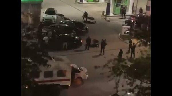 Вооруженный конфликт на заправке в Евпатории. Кадры очевидца