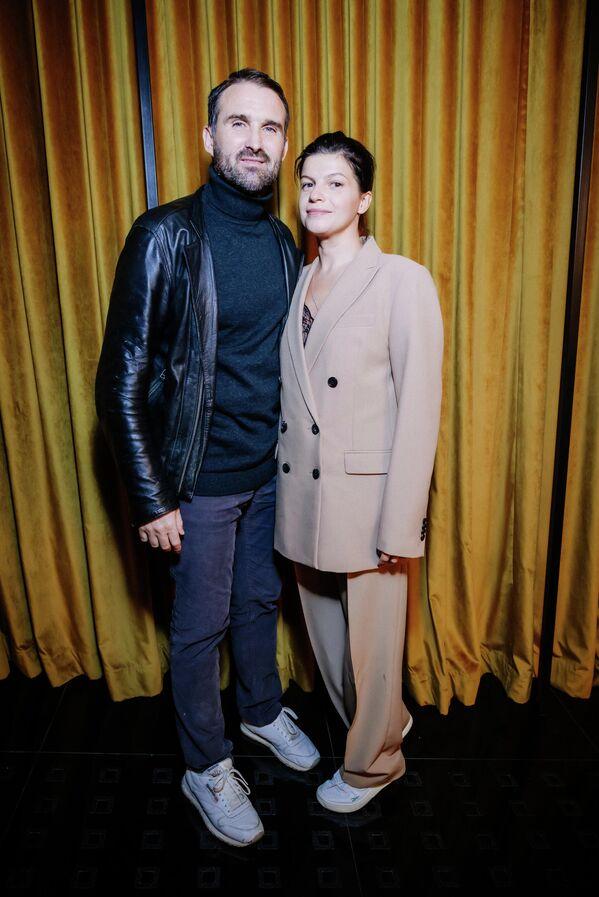 Актриса Агния Кузнецова вместе с мужем на премьере драматического фильма Иван Денисович