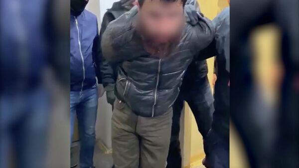 Задержание религиозного экстремиста в Екатеринбурге. Кадр видео
