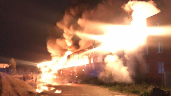 Локализация пожара в нежилом здании в Черноголовке в Подмосковье