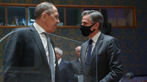 Лавров поговорил по телефону с Блинкеном