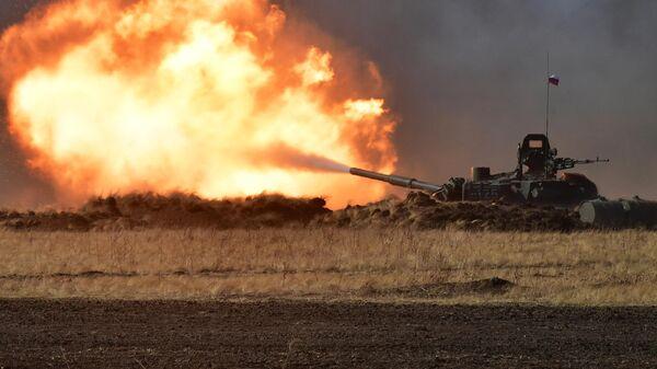 Танк Т-72Б3 на антитеррористических учениях стран-членов ШОС Мирная миссия 2021 в Оренбургской области
