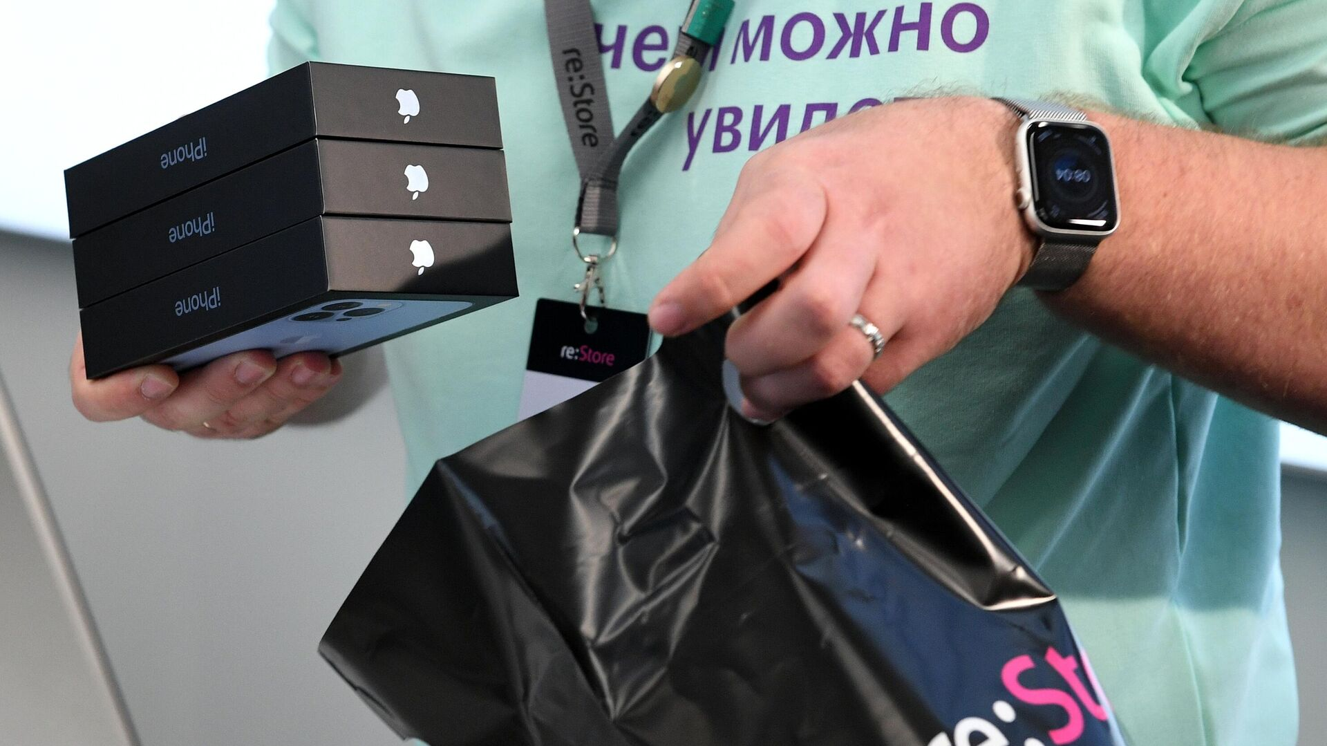 Россияне в 2021 году предпочитают дорогие смартфоны