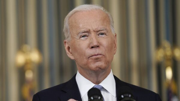 Эксперт оценил призыв сенаторов выслать из США 300 российских дипломатов