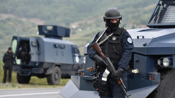 Спецназ полиции Косово во время протеста косовских сербов в Яринье