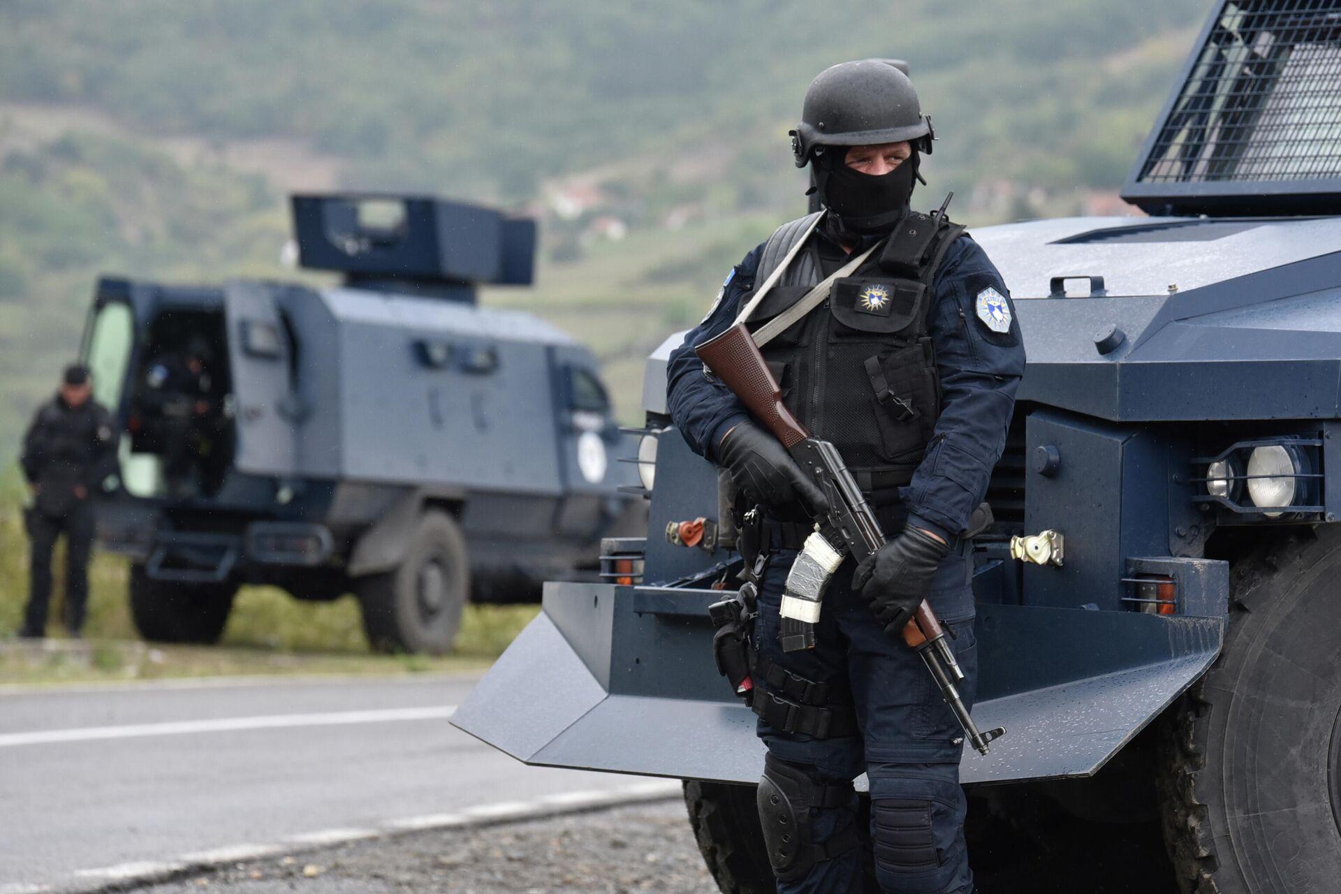 Спецназ полиции Косово во время протеста косовских сербов в Яринье - РИА Новости, 1920, 27.09.2021