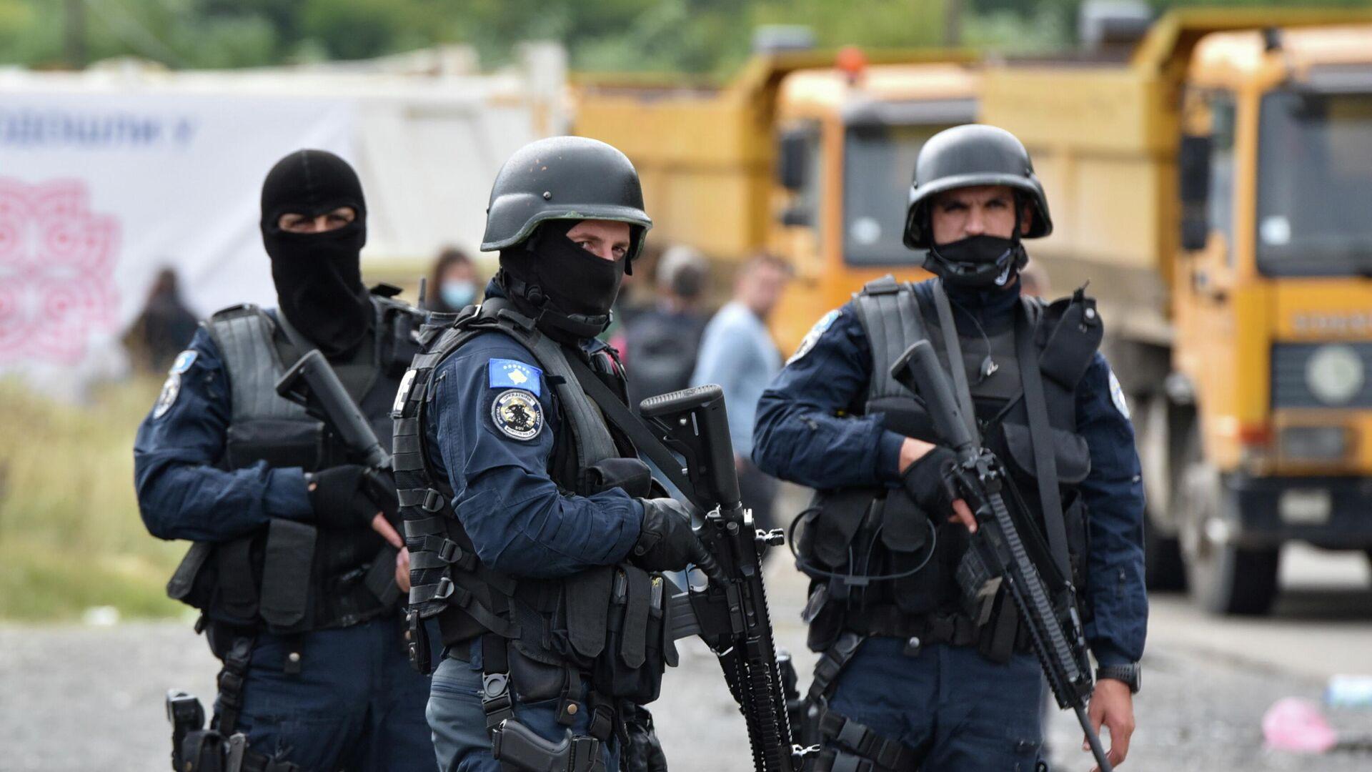 Спецназ полиции Косово во время протеста косовских сербов в Яринье - РИА Новости, 1920, 28.09.2021