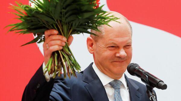 Кандидат в канцлеры Германии Олаф Шольц в Берлине