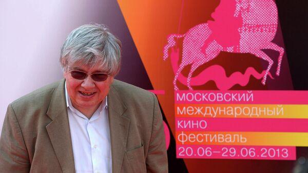 Кинокритик Кирилл Разлогов перед началом церемонии открытия 35-го ММКФ