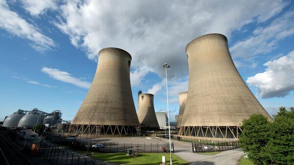 Угольная электростанция Drax в северной Англия