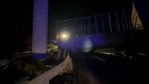 Кадры с места обрушения моста в Пермском крае