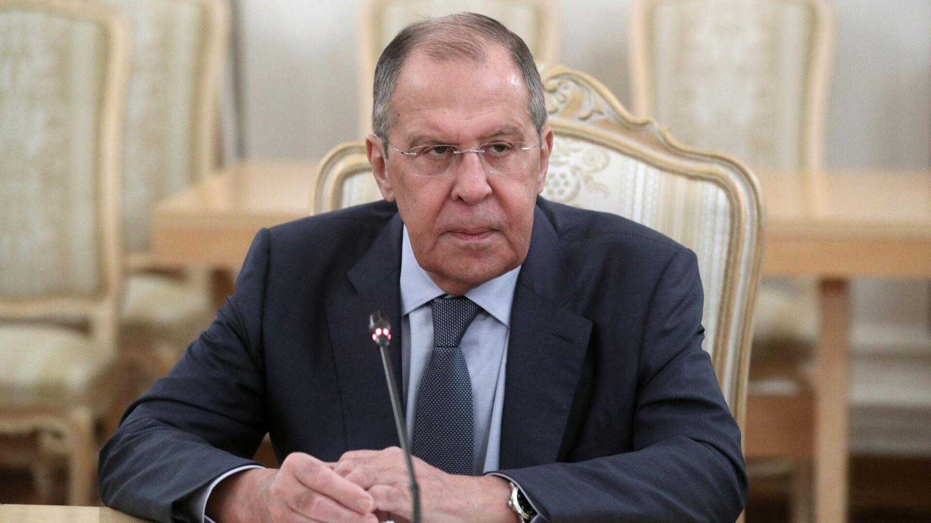Лавров считает проигрышным путем идеологизацию во внешней политике