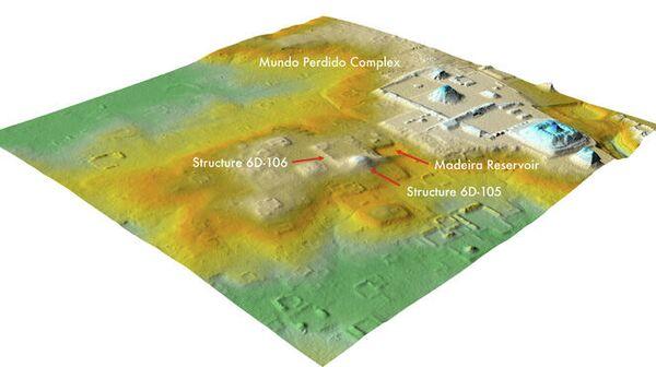 Лидарный анализ показал, что территория, которую когда-то считали естественными холмами (в центре), недалеко от комплекса Затерянный мир Тикаля (справа), на самом деле представляет собой разрушенную цитадель возрастом 1800 лет