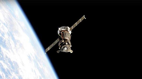Кадр трансляции перестыковки транспортного пилотируемого корабля Ю.А. Гагарин на МКС