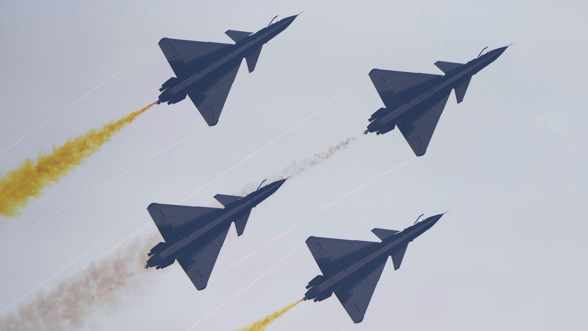 Пилотажная группа китайских ВВС - РИА Новости, 1920, 03.10.2021