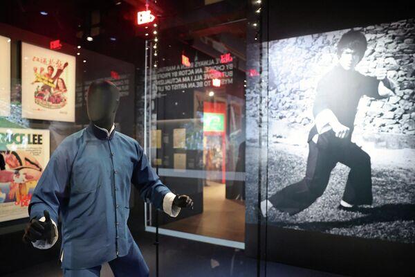 Костюм Брюса Ли в Музее Американской киноакадемии