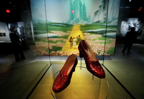 Рубиновые туфельки Дороти из Волшебника страны Оз в Музее Американской киноакадемии