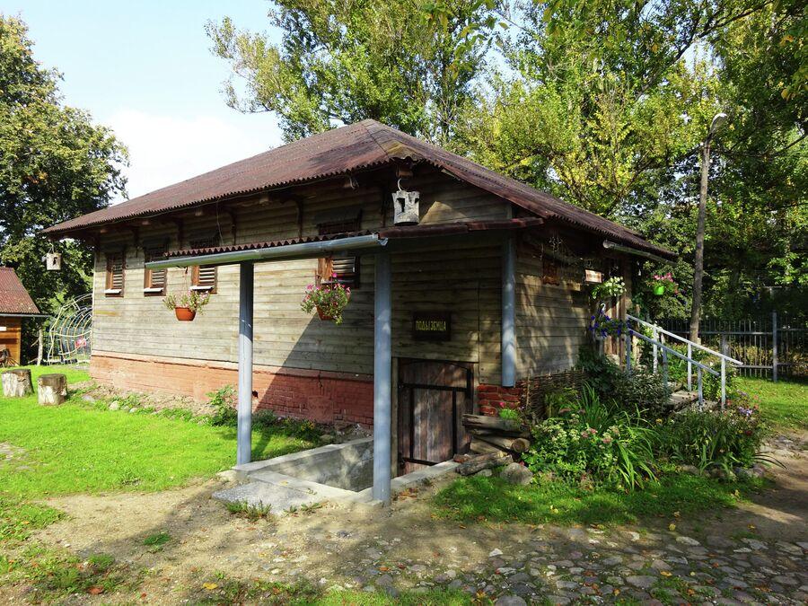Музей ямщика находится в здании 19 века - это хозяйственная постройка Локалова
