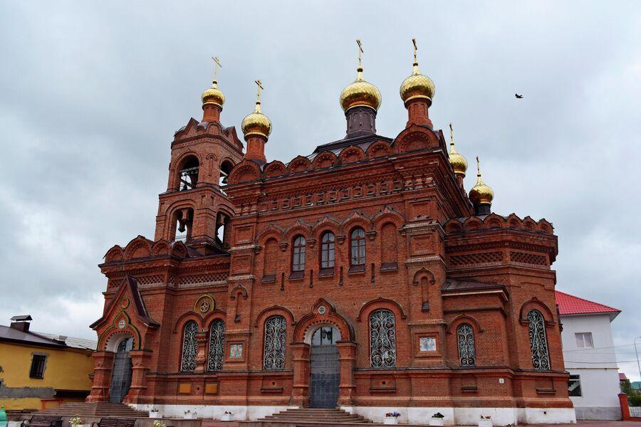 Храм Воздвижения Креста Господня в городе Хвалынске Саратовской области